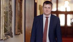 PROCHÁZKA: ČSSD omlazuje kádr. Ministři Maláčová a Petříček jsou stranickou nadějí