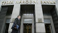 Rada ČNB ponechala úrokové sazby beze změny. Zůstat by tak podle ekonomů měly delší dobu