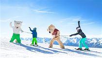 Na svazích v regionu Wildkogel-Arena čekají na malé lyžaře maskoti.