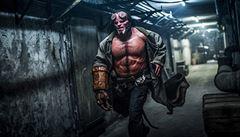 VIDEO: Nová verze Hellboye přidala na humoru i násilí. Pekelník se představuje v první ukázce