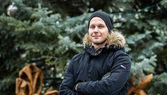 Evropské Vánoce jsou hezčí, lidé jsou spokojenější a šťastnější, říká americký gólman Hradce