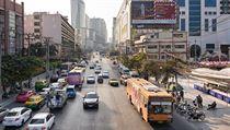 """""""Mimo hlavní ulice navíc toto obří velkoměsto působí až neuvěřitelně klidně a..."""