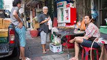 Místní obyvatelé v Bangkoku.