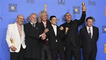 Jim Beach (zleva), Roger Taylor, Brian May, Rami Malek, Graham King a Mike...