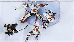 Brankář Rittich zavinil v NHL gól, ale Calgary zápas otočilo a vyhrálo