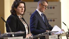 Koalice se vrátí ke zvýšení rodičovského příspěvku a začíná platit zákon proti směnárenským 'šmejdům'