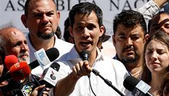 Venezuelský parlament se chystá převzít vedení země, prezidenta Madura neuznal ani Trump