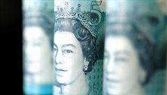 Britská ekonomika je poprvé po 11 letech v recesi. Propad činí téměř 22 procent
