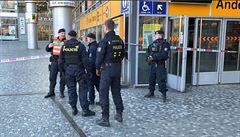 Policie prověřovala nahlášení bomby v metru. Prohlídka pyrotechnika byla negativní, metro je otevřené bez omezení
