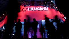 Huawei navzdory tlaku ze strany USA výrazně zvýšil tržby