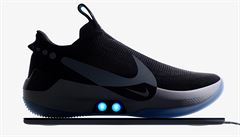 Nike představil samozavazovací boty. Půjdou ovládat přes telefon