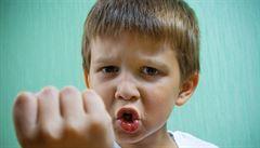 Učitelé se bojí agresivních žáků, nový zákon je neochrání