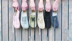 Kuří oka, haluxy i puchýře. Úzké boty jsou ty nejhorší, říká propagátor barefoot tenisek z konopí