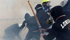 V Aténách demonstrovaly desetitisíce lidí proti dohodě s Makedonií