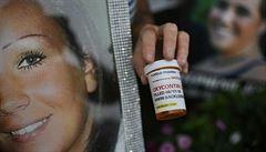 Ničí životy, vydělávají miliardy. Za opiátovou epidemií v USA stojí farmaceutické firmy