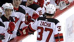 NHL: Zacha přispěl k výhře New Jersey gólem a přihrávkou, stal se třetí hvězdou zápasu