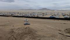 Podívejte se na tisíce Volkswagenů, jak čekají na svůj osud po Dieselgate
