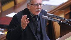 Křeček má nejlepší předpoklady pro funkci ombudsmana, obhajuje svůj návrh Zeman