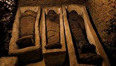 Archeologové v Egyptě objevili pohřební komory, našli v nich zhruba 40 mumií