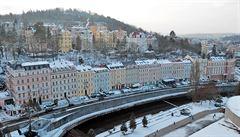 Rusové opouštějí Karlovy Vary. Zůstávají po nich desítky domů, prodat je se nedaří