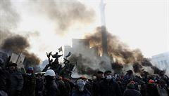 Pět let od majdanu. V Kyjevě se sešli Tusk a Porošenko, uctili památku obětí