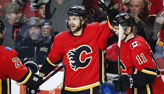 NHL: Frolík pomohl k výhře Calgary. Nahrávku zaznamenal i Hronek