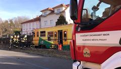 Vlak mezi Dejvicemi a Veleslavínem usmrtil muže. Železniční provoz byl omezen