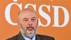 Tomanova spletitá cesta do ČSSD: ministr zemědělství se členství ve straně stále nedočkal