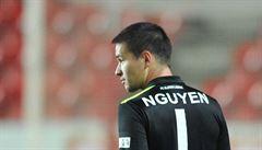 Ligu udivuje výbornými zákroky. Nyní čeká syna vietnamského otce duel se 'svou' Spartou
