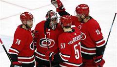 NHL: Brankář Mrázek se blýskl v prodloužení, Tampa vyrovnala letitý rekord