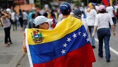 Venezuelská ekonomika setrvale klesá. Za loňský rok dosáhla inflace 130 tisíc procent