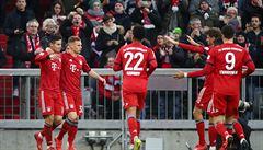 Bayern rozdrtil Wolfsburg a udržel se na čele, nezaváhal ani Dortmund