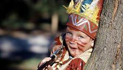 Žádní indiáni na masopustu. Německá školka chce po rodičích převleky bez diskriminace