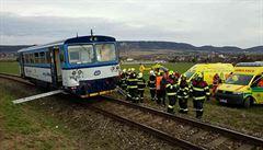 Další incident na železnici. Na Chrudimsku se srazil osobní vlak s manipulačním, pět zraněných