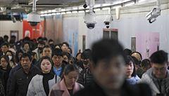 Miliony lidí s nízkým 'skóre' nesmí nasednout do letadla či vlaku. Čína zablokovala 23 milionů letenek a lístků