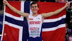 První místo Ingebrigtsen, třetí také. Norská rodina vládne běžcům