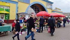 Zápisky z Ukrajiny: MDŽ je pro místní obří svátek. Z tramvají se stala ,pojízdná květinářství'