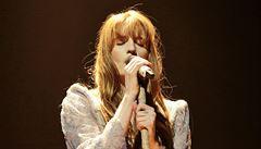 RECENZE: Berlínské řeči a zpěvy indiepopové rusalky Florence