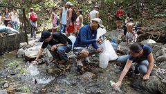 Venezuela: z ráje do pekla. Mladí utíkají před chudobou, nemocemi a násilím