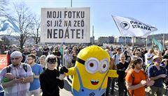 Válka o autorská práva. Lidé v Praze protestovali proti reformě internetu
