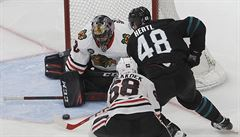 Hertl v NHL ani třemi body nezabránil porážce San Jose s Chicagem 4:5