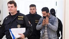 Soud poslal do vazby Iráčany podezřelé z terorismu. Muž i žena souhlasí s předáním do Rakouska