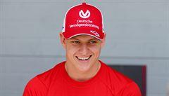 Úvod snů pro Schumachera juniora. První závod ve formuli 2, hned získal body