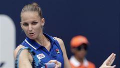 Plíšková ovládla souboj dvou bývalých jedniček a postoupila do semifinále, Vondroušová vypadla