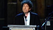 "Bob Dylan získal v roce 2015 cenu ""MusiCares Person of the Year""."