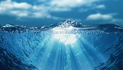 Zeptali jsme se vědců: Existuje způsob, jak vstřebat mořskou vodu a vyhnout se při tom dehydrataci?