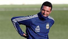 Messiho trenéra srazilo při jízdě na kole auto. Poškození hlavy se v nemocnici nepotvrdilo