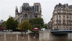 Požár Notre-Dame nebyl založen úmyslně. Dle vyšetřovatelů ho způsobil zkrat či nedopalek