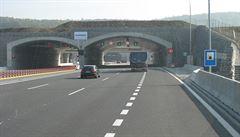 Nehoda kamionů na půl hodiny uzavřela tunely na Pražském okruhu