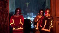 Z Notre-Dame je kvůli roztavenému olovu sklad toxického odpadu, varují ekologové. Volají po dekontaminaci